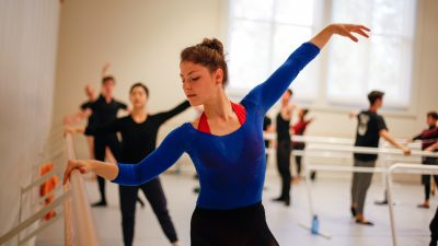 BFA students in ballet class
