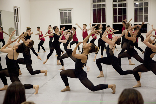"""USC BFA Class of 2019 performs an excerpt """"Red/ The Force"""" by Dwight Rhoden. Photo by Rose Eichenbaum"""