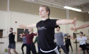 USC Kaufman student Ardyn Flynt in Cloud Gate Dance class
