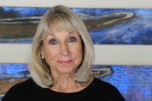 Christine Rhoades headshot