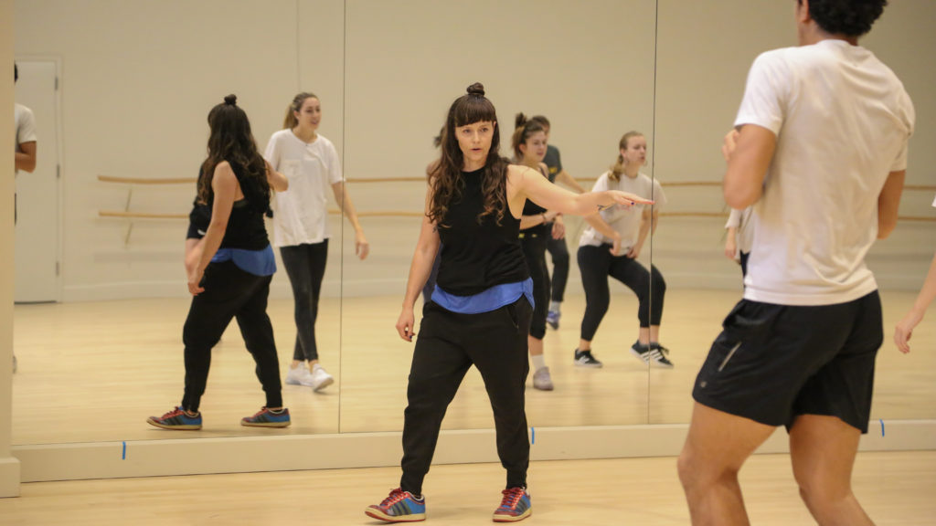 Amy O'Neal teaches hip-hop to students in a USC Kaufman studio